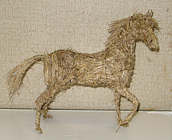 Horse. Wire and straw.